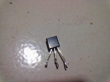 Transistor Raket nyamuk tanpa type dan nomor seri