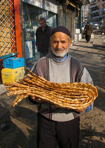 Chleb Sangak - zdjęcie pochodzi z http://www.irpedia.com/