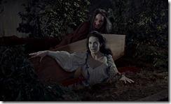 Brides of Dracula Vampire Girl Rises