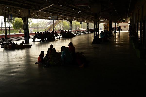 вокзал перрон индия