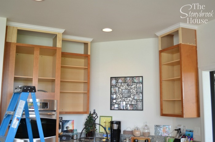 Crown Molding Oven Side