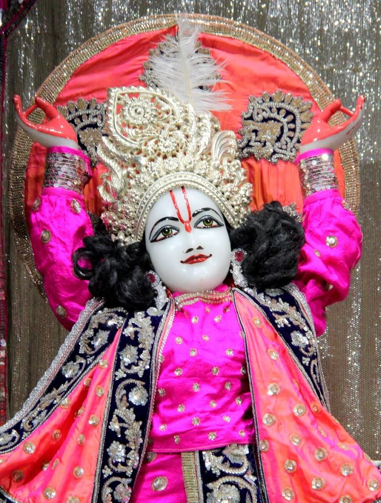 ISKCON Juhu Mangal Deity Darshan 14 Jan 2016 (2)
