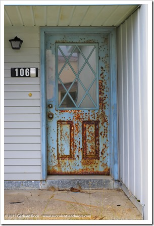 150907_Adak_rusted_door2_WM
