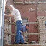 Антигрибковая-обработка-фасада-волонтер-из-Бельгии.jpg