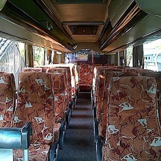 Interior Sewa Bus Pariwisata Jogja