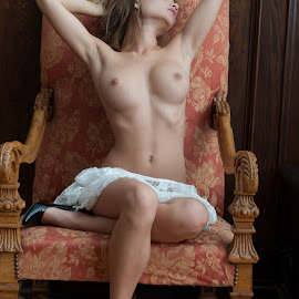Relaxing on the Chair by Tomas Fensterseifer - Nudes & Boudoir Boudoir ( old house, chair, nude, natural boobs )