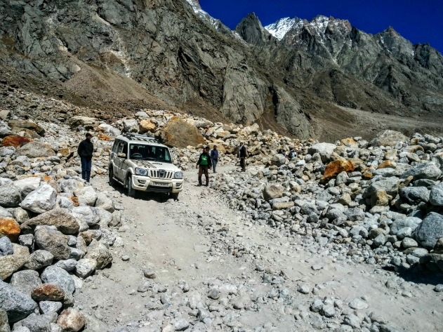 Epic mountain roads of Lahaul and Spiti