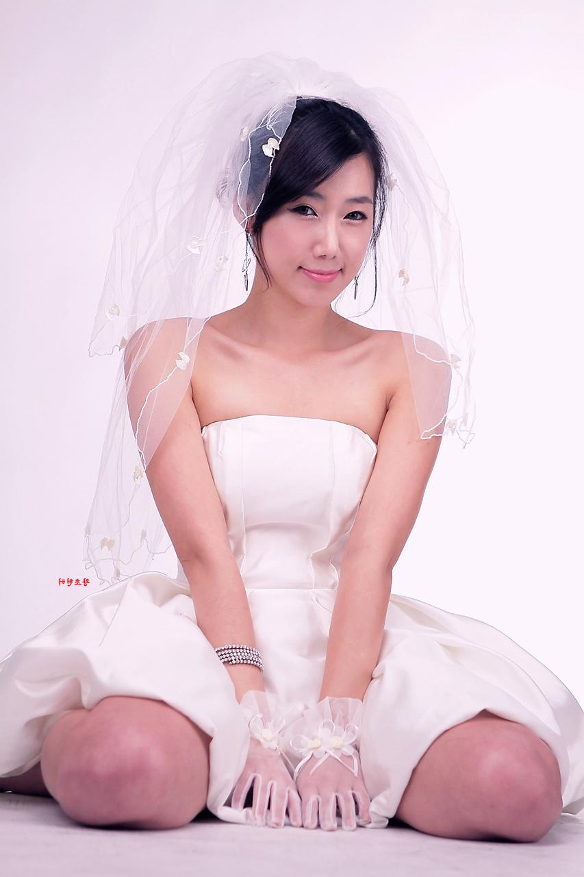 Lee Sung Hwa, Wedding Dress