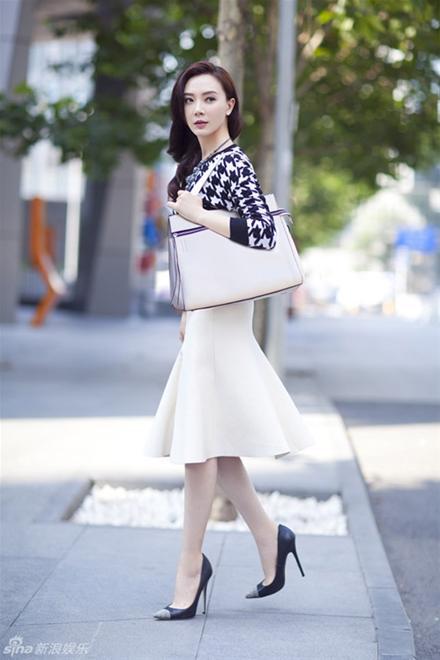 Chon chan vay dep diu dang cho nang cong so 13