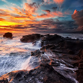 Mengening by Hendri Suhandi - Landscapes Waterscapes ( clouds, waterscape, sunset, stone, rock, beach, seascape, sunrise, cave, portscape )