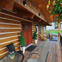 Entrance / Porch