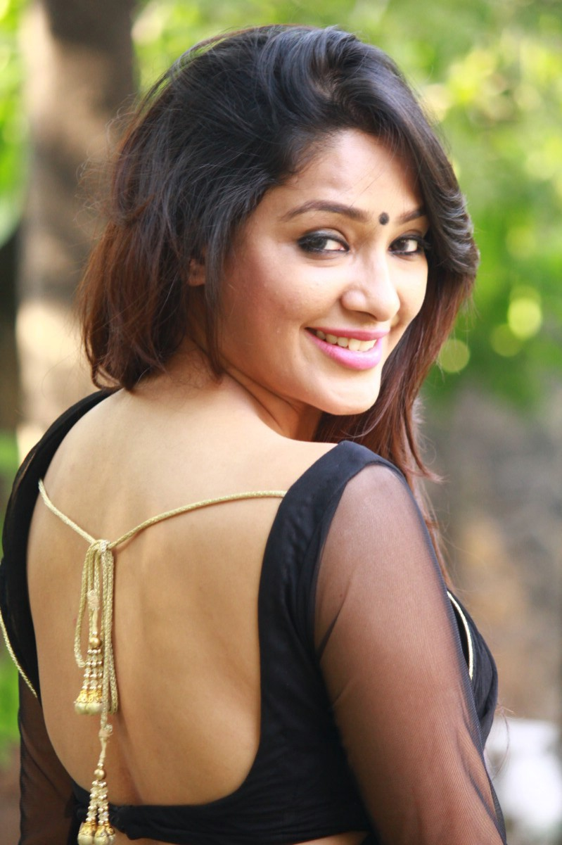 Samruthika in saree