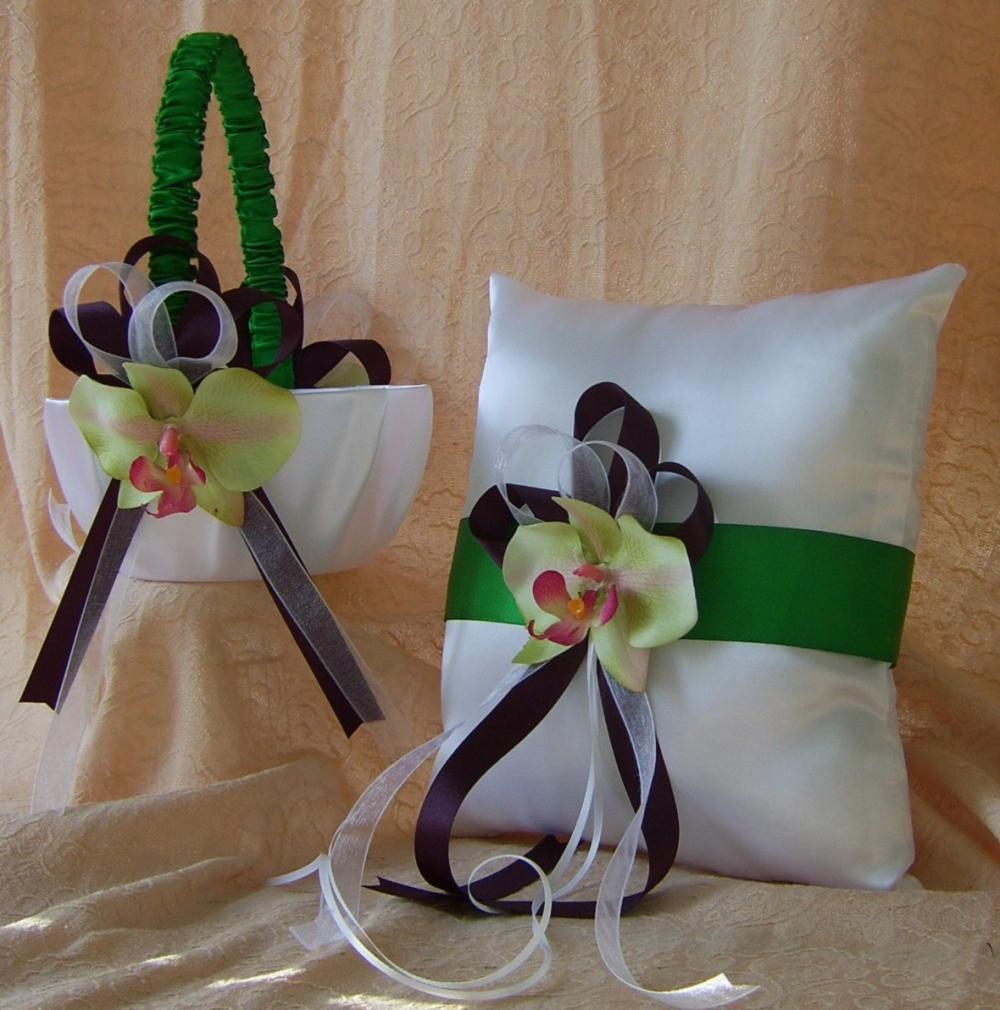 eggplant and green wedding