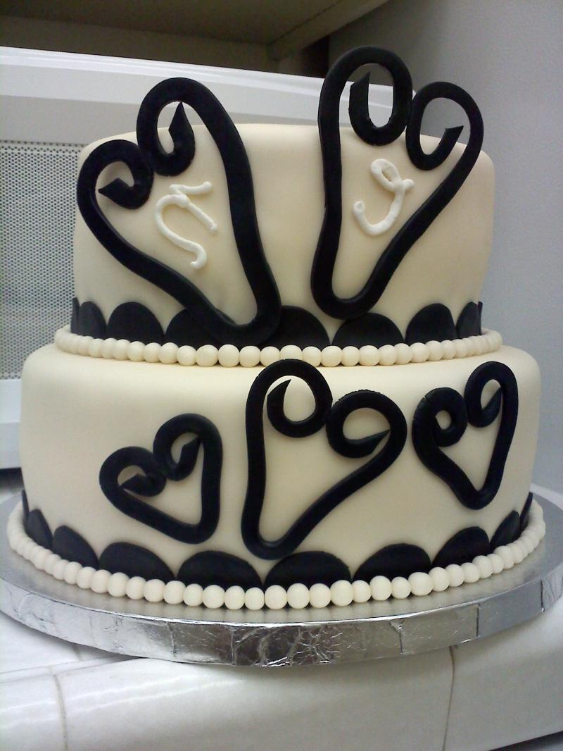 heart cake black and white