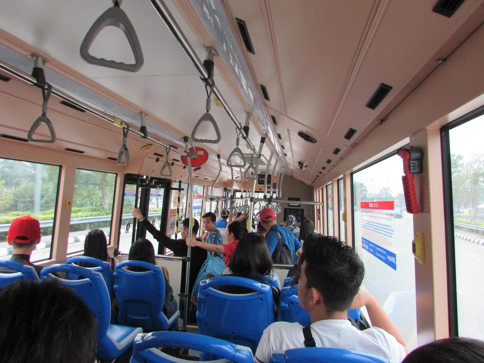 Bus Menuju SIC