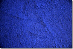 yves-klein-table-bleu-800x800