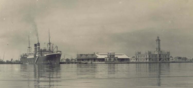 El vapor MAASDAM en el puerto de Veracruz.jpg