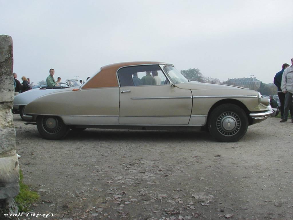 1964 Citroen DS 19 Cabrio car