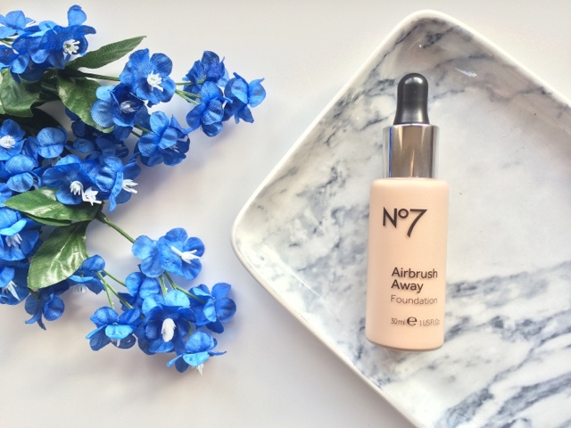 No.7 Airbrush Away foundation, No.7 Airbrush Away foundation review, foundation for oily skin, Boots, Scottish Blogger, UK Blogger