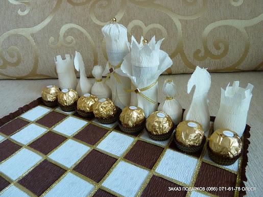 Шахматная доска из конфет своими руками 23