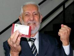 1 - Aos 82, pega carteira da OAB, faz pós e quer abrir escritório de advogado 400