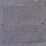 Église Saint-Germain de Charonne : inscription de dédicace en caractères gothiques