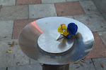 18e zonnewijzer in Astorga. Er kwam helaas geen water uit het drinkfonteintje.