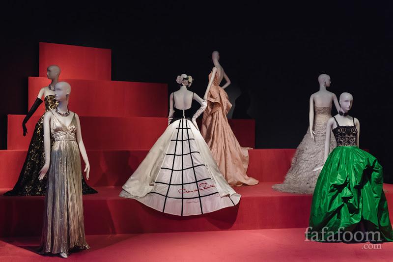(Center) Oscar de la Renta, Custom evening dress, 2014.