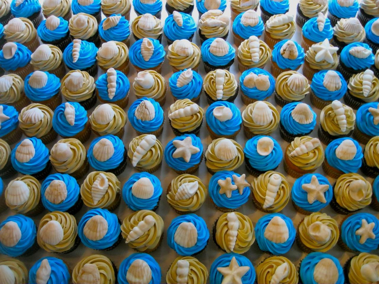 beach-wedding-cupcakes.jpg
