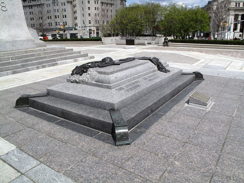 tomb-of-unknown-soldier-canada-1
