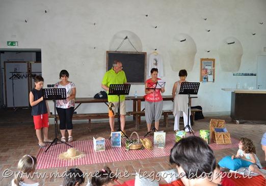 Mamme Che Leggono al pic-nic di lettura a Villa Terracini - 7 giugno 2015 (37)