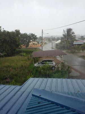 alhamdulillah, hujan rahmat, rahmat ilahi, http://kanvaskehidupanku.blogspot.com/