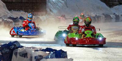 Валентино Росси лидирует в картнинговой гонке впереди Фелипе Массы и Фернандо Алонсо на Wrooom 2012