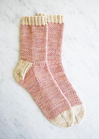 pixel-stitch-socks-600-18