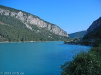 Der Lac de Castillon bei Saint-Andre-les-Alpes.