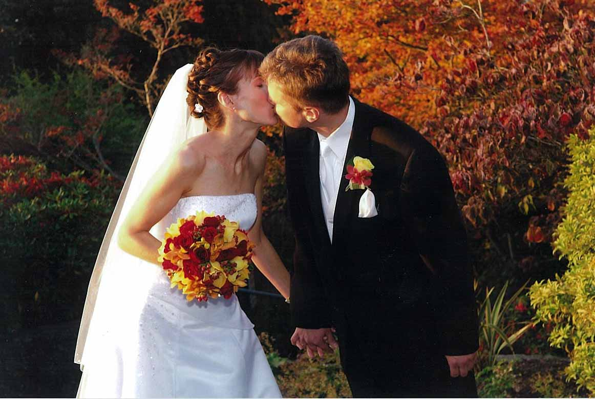 In 2011, fall weddings are not