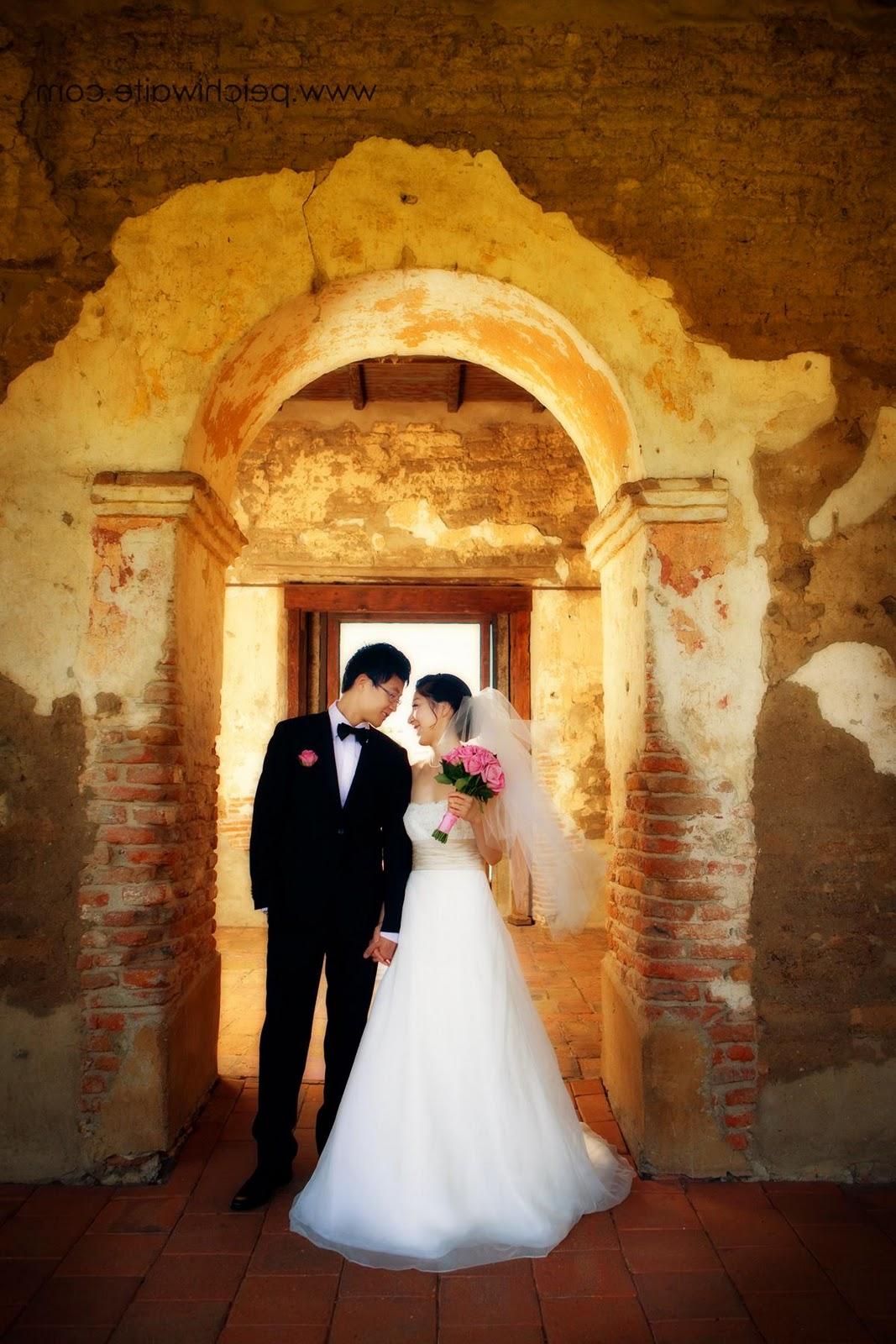 Monique Lhuillier wedding
