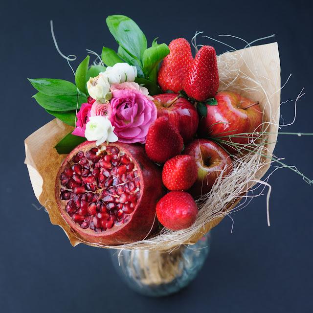 Букет из фруктов и цветов мастер класс