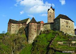 Středověký hrad je zachovalý do dnešního dne. Návštěvník zde nalezne řadu zajímavých expozic včetně středověké mučírny.
