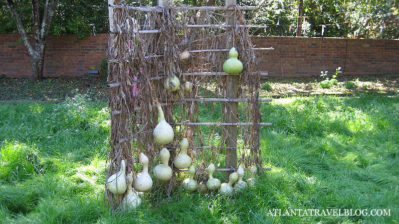 Двор дома плантатора