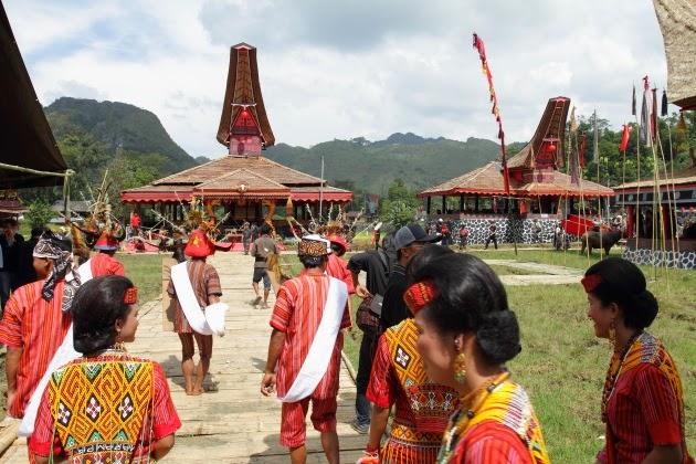 A Tana Torajan Funeral Courtyard