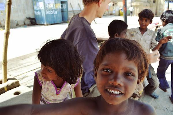 варанаси дети индия беспризорники попрошайки