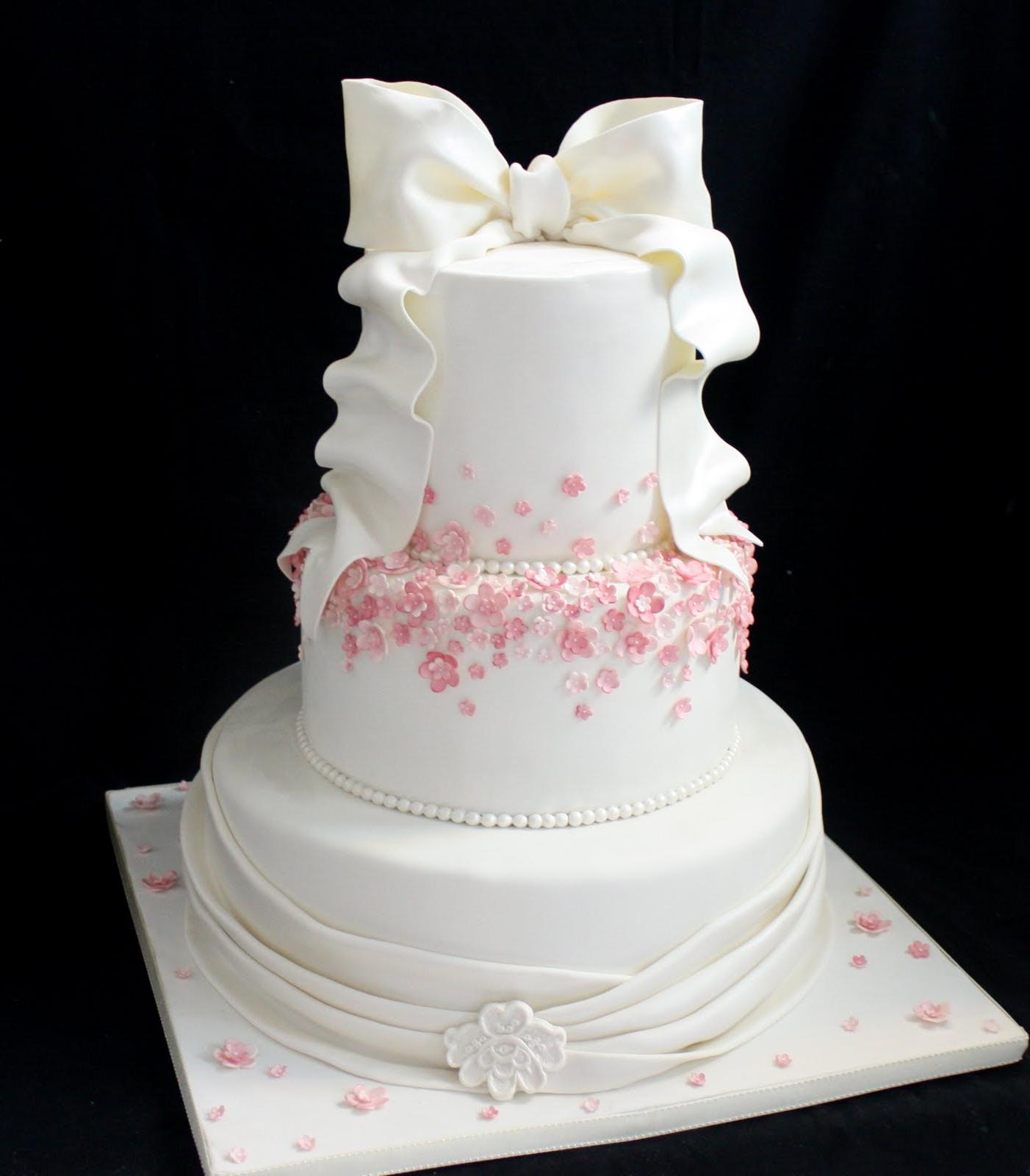 Our latest Wedding cakes: