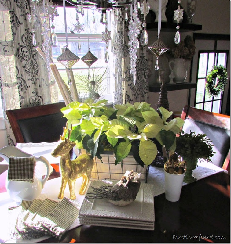 Using simple and elegant touches, adding Holiday Decor doesn't have to be time consuming.