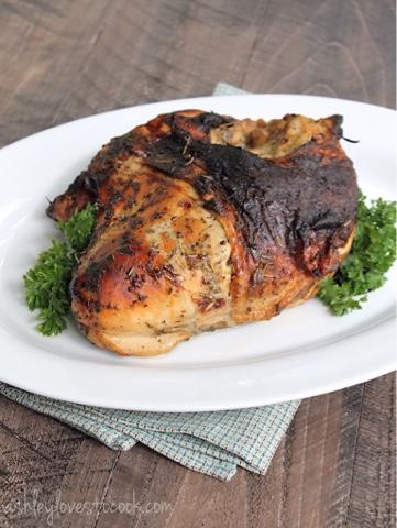 Lemon and Herb Roasted Turkey Breast || ashleylovestocook.com