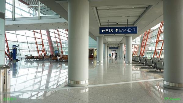 机场没有那么多人
