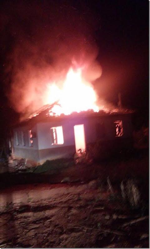 Incêndio possivelmente criminoso  destrói casa