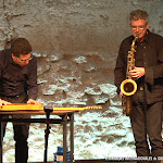 Josep Lluís Galiana, saxofón. Ferrer-Molina, guitarra eléctrica sobre mesa vibradora