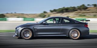 La BMW M4 GTS fait le plein de commandes