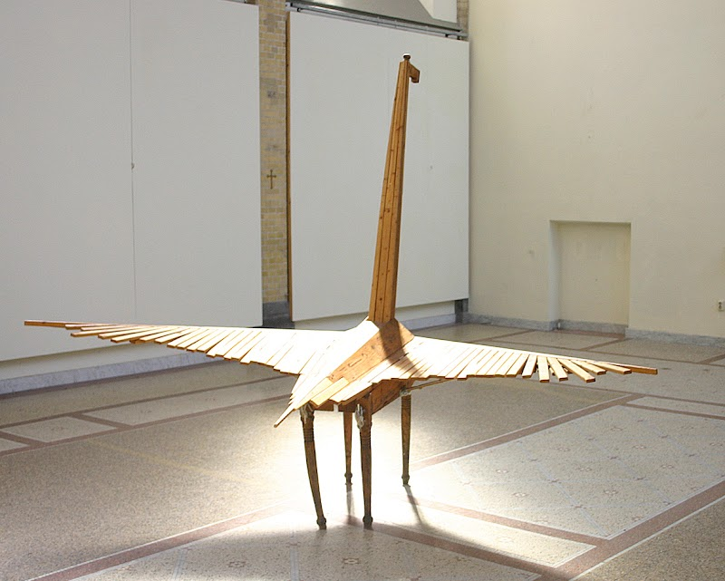 pegasus (sculpture by frank waaldijk, back, sun)